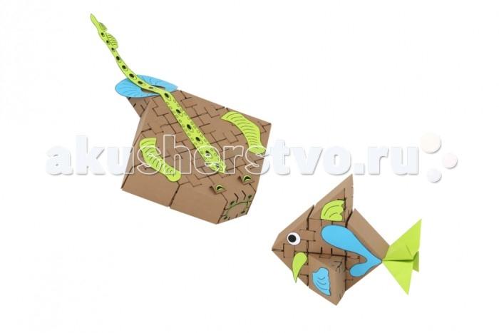 """Конструктор Yohocube Набор Морские рыбки 26 деталейНабор Морские рыбки 26 деталейYoh-ho! Набор конструктора Морские рыбки 26 деталей К-26.Sea  Тематический набор для создания картонных фигурок Морские рыбки в наборе с цветной аппликацией. Аппликация входит в набор.   Конструктор """"ЙОХОКУБ"""" — это самосборные кубики в наборе с крепежами и тематическими декоративными элементами для конструирования любых форм.  Конструктор """"ЙОХОКУБ"""" через игру развивает абстрактное мышление, конструкторские навыки, творческие способности и мелкую моторику. Приучает к коллективному творчеству в разновозрастной группе. Рекомендован детям от 6-ти лет. Для коллективной игры со взрослыми.  Размер ЙОХОКУБа в собранном виде 80мм. Кубик легко помещается в детскую ладошку.<br>"""