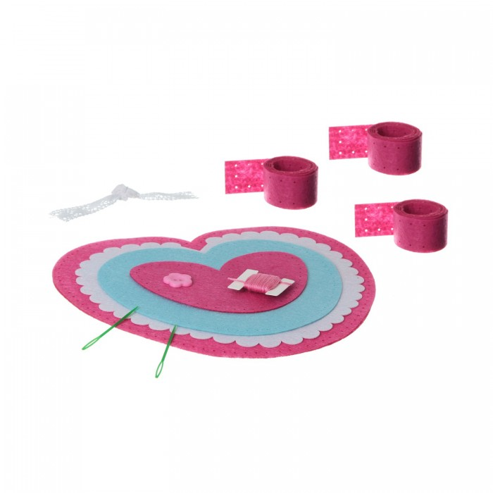Bondibon Набор для творчества МК Шьем из фетра Сумка-сердечкоНабор для творчества МК Шьем из фетра Сумка-сердечкоНабор для творчества МК Шьем из фетра. Сумка - сердечко.  С помощью этого набора мы будем шить сумочки и подушки из прекрасного плотного материала – мягкого фетра. Этот материал легок и прочен, а также очень приятен на ощупь. Его просто шить вручную, а для придания формы готовое изделие можно немного растянуть.   Фетр, из которого мы будем шить, имеет очень яркие и сочные цвета!<br>
