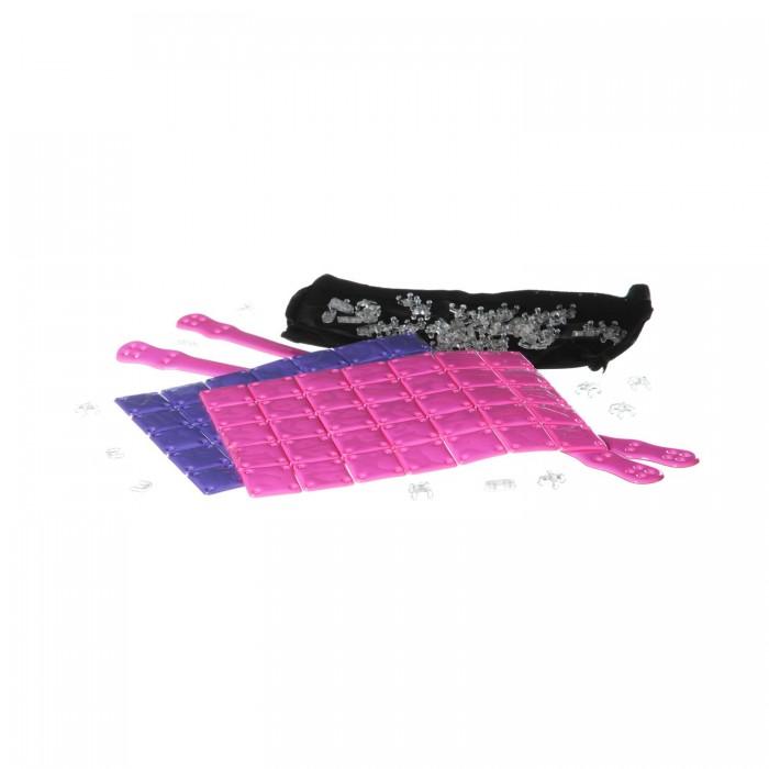 Bondibon Набор Я дизайнер сделай сумку из пластин 21х23.5 см, розово-сиреневаяНабор Я дизайнер сделай сумку из пластин 21х23.5 см, розово-сиреневаяНабор Я дизайнер сделай сумку из пластин 21х23.5 см, розово-сиреневая  Каждая модница знает, что сумочка нужна не только для хранения вещей, но и для создания завершенного стильного образа. Чтобы создать уникальную дизайнерскую сумку своими руками не требуется никаких специальных навыков, нужна лишь пара часов свободного времени, немного терпения и вдохновение!   В процессе создания не используются острые предметы (иглы, ножницы), а значит - маленький дизайнер не поранится.   С этим набором ребенок будет развивать мелкую моторику рук, аккуратность, усидчивость, творческие способности, а также весело и увлекательно проведёт время!<br>