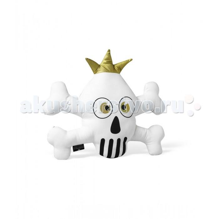 Мягкая игрушка Elodie Details подушка белаяподушка белаяИгрушка-подушка Elodie Details  Необычная мягкая игрушка Elodie Details привлечет внимание малыша и просто добавит озорства детскому интерьеру.  развивает мелкую моторику, привлекает детское внимание контрастными цветами по мере загрязнения игрушку можно постирать в стиральной машине при температуре 30 градусов состав: 100% хлопок (снаружи), наполнитель 100% полиэстер соответствует европейскому стандарту безопасности EN-71 размер: 30х30 см  Нагрудники, клипсы для пустышек, бутылочки, сумки для мам, одеяла, игрушки – все это необходимые вещи повседневной жизни мамы и ребенка. Шведская компания Elodie detalis делает эти предметы уникальными и неповторимыми. Превосходное качество, стиль и практичность сделали компанию популярной во всем мире.   Elodie Details - это способ сделать повседневную жизнь более красивой и веселой!<br>