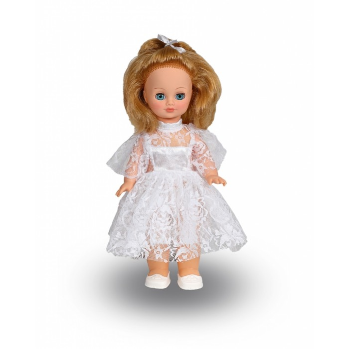 Весна Кукла Лена 1 42 смКукла Лена 1 42 смВесна Кукла Лена 1 (озвученная) покорит сердце любой девочки! Обаятельный внешний вид и прелестные одежки игрушечной красавицы вызывают только самые добрые и положительные эмоции.  Особенности: У ангелочка Лены ясные голубые глаза и блестящие русые волосы. На ней надето прелестное белоснежное платьице из кружевного полотна с шёлковыми вставками и туфельки. У Лены закрываются глазки, и она умеет разговаривать. При нажатии на звуковое устройство, вставленное в спинку, кукла произносит следующие фразы:  - Мама,  - Почитай мне книжку.  - Давай поиграем.  - Есть хочу.  - Хочу спать.  Очаровательная кукла фирмы Весна покорит сердце любой девочки! Обаятельный внешний вид и прелестные одежки игрушечных красавиц вызывают только самые добрые и положительные эмоции. Куклы производятся на российских фабриках из нетоксичных, безопасных для детей материалов. Они отличаются высоким качеством, проработанностью деталей и гармоничными пропорциями тела. Голова и ручки кукол изготовлены из эластичного винила, очень приятного на ощупь, а туловище и ножки - из прочной пластмассы. У кукол густые мягкие волосы, которые можно мыть, расчесывать и заплетать как только захочется. Они прочно закреплены и способны выдержать практически любые творческие порывы ребенка. Особый восторг у маленьких модниц вызывают нарядные костюмы, которые можно снимать и менять. Дополнительно к куклам выпускаются самые разнообразные комплекты одежды. С прелестной куклой отечественного производства возможно не просто весело проводить время, но и научиться одеваться по сезону. Игра с очаровательными куклами поможет развить мелкую моторику, а возможность менять костюмчики и прически формирует эстетический вкус. Милая игрушка станет лучшей подружкой для девочки и научит ребенка доброте и заботе о других.  Производитель оставляет за собой право изменения цветовой гаммы одежды и волос куклы, цвет глаз может варьироваться.<br>