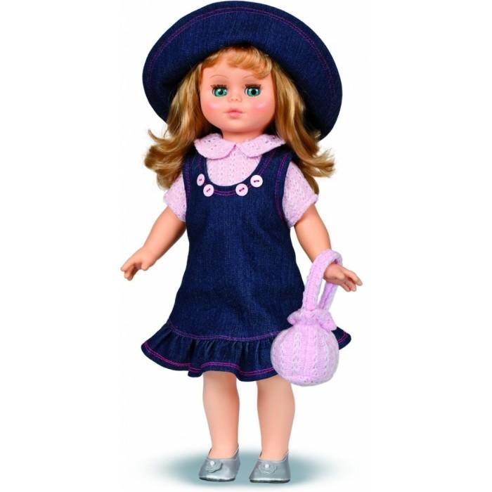 Весна Кукла Оля 14 49 смКукла Оля 14 49 смВесна Кукла Оля 14 (озвученная) покорит сердце любой девочки! Обаятельный внешний вид и прелестные одежки игрушечной красавицы вызывают только самые добрые и положительные эмоции.  Особенности: У очаровательной куклы Оли ясные голубые глаза и длинные золотистые волосы. Одета Оля в вязаную розовую блузку, сарафанчик из джинсовой ткани и туфельки.  Комплект дополняет шляпка в тон сарафану. У Оли закрываются глазки, и она умеет разговаривать.  При нажатии на звуковое устройство, вставленное в спинку, кукла произносит следующие фразы:  - Теперь ты моя подруга.  - Ты не забыла - сегодня мы идем на праздник.  - Нам нужно быть красивыми.  - Сделай мне прическу!  - Получилось очень красиво!  - Теперь себе.  - Не забудь про маникюр.  - А нарядное платье?  - Мы сегодня самые красивые!  Очаровательная кукла фирмы Весна покорит сердце любой девочки! Обаятельный внешний вид и прелестные одежки игрушечных красавиц вызывают только самые добрые и положительные эмоции. Куклы производятся на российских фабриках из нетоксичных, безопасных для детей материалов. Они отличаются высоким качеством, проработанностью деталей и гармоничными пропорциями тела. Голова и ручки кукол изготовлены из эластичного винила, очень приятного на ощупь, а туловище и ножки - из прочной пластмассы. У кукол густые мягкие волосы, которые можно мыть, расчесывать и заплетать как только захочется. Они прочно закреплены и способны выдержать практически любые творческие порывы ребенка. Особый восторг у маленьких модниц вызывают нарядные костюмы, которые можно снимать и менять. Дополнительно к куклам выпускаются самые разнообразные комплекты одежды. С прелестной куклой отечественного производства возможно не просто весело проводить время, но и научиться одеваться по сезону. Игра с очаровательными куклами поможет развить мелкую моторику, а возможность менять костюмчики и прически формирует эстетический вкус. Милая игрушка станет лучшей подружкой для девочки и научит ребенка до