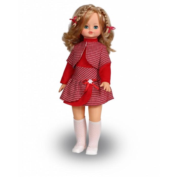 Весна Кукла Эльвира 2 59 смКукла Эльвира 2 59 смВесна Кукла Эльвира 2 (озвученная) покорит сердце любой девочки! Обаятельный внешний вид и прелестные одежки игрушечной красавицы вызывают только самые добрые и положительные эмоции.   Особенности: У обворожительной куклы Эльвиры волшебные зеленые глаза и блестящие золотистые волосы.  На ней надет модный костюмчик из красной блузки, юбочки и пиджачки в гусиную лапку.  Комплект дополняют белоснежные ажурные гольфы и туфельки. У Эльвиры закрываются глазки, и она умеет разговаривать.  При нажатии на звуковое устройство, вставленное в спинку, кукла произносит следующие фразы:  - Здравствуй!  - Я – твоя подружка!  - Давай дружить!  Очаровательная кукла фирмы Весна покорит сердце любой девочки! Обаятельный внешний вид и прелестные одежки игрушечных красавиц вызывают только самые добрые и положительные эмоции. Куклы производятся на российских фабриках из нетоксичных, безопасных для детей материалов. Они отличаются высоким качеством, проработанностью деталей и гармоничными пропорциями тела. Голова и ручки кукол изготовлены из эластичного винила, очень приятного на ощупь, а туловище и ножки - из прочной пластмассы. У кукол густые мягкие волосы, которые можно мыть, расчесывать и заплетать как только захочется. Они прочно закреплены и способны выдержать практически любые творческие порывы ребенка. Особый восторг у маленьких модниц вызывают нарядные костюмы, которые можно снимать и менять. Дополнительно к куклам выпускаются самые разнообразные комплекты одежды. С прелестной куклой отечественного производства возможно не просто весело проводить время, но и научиться одеваться по сезону. Игра с очаровательными куклами поможет развить мелкую моторику, а возможность менять костюмчики и прически формирует эстетический вкус. Милая игрушка станет лучшей подружкой для девочки и научит ребенка доброте и заботе о других.  Производитель оставляет за собой право изменения цветовой гаммы одежды и волос куклы, цвет глаз может варьироваться.<br>
