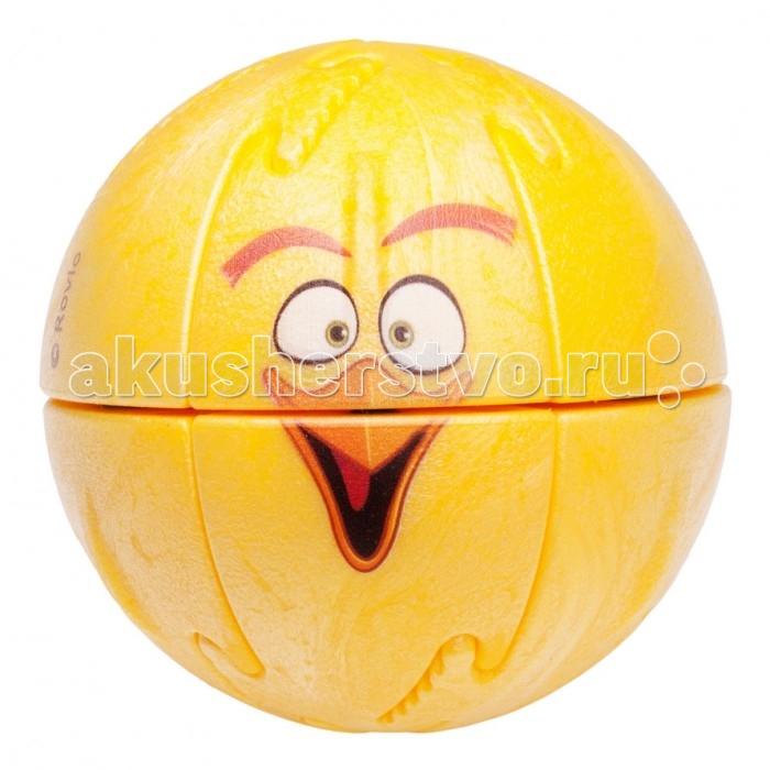 Крашики Объемный пазл Angry Birds ChuckОбъемный пазл Angry Birds ChuckКрашики Объемный пазл Angry Birds Chuck поможет скрасить досуг любого ребенка, группы детей, или даже их родителей. С необычной головоломкой можно придумывать различные вариации веселой игры, что поможет отвлечь современных детей от планшетов и телефонов.  Особенности: Крашик Angry Birds изготовлен из качественного безопасного материала на современном оборудовании.  Детали головоломки соединяются друг с другом с помощью пазов и удерживаются магнитами. Задача состоит в том, чтобы правильно соединить детали и собрать веселого персонажа из Angry Birds. При этом необходимо учитывать магнитные полюса каждой детали, что познакомит детей с основами магнетизма.  Также внутри каждого пазла находится небольшое пластиковое яйцо, которое может использоваться в коллективных играх.  С крашиками можно играть как самостоятельно, так и в компании друзей. Чем больше детей и пазлов – тем интереснее играть! Крашики Angry Birds не только помогут вернуть современному поколению веселое и активное детство вдали от новомодных гаджетов, но и помогут развить логическое мышление и мелкую моторику рук. Дети и родители будут в восторге от этой красочной и многогранной игрушки!  Как играть: Крашик на улице.  - Играют от 2 человек до бесконечности. Чем больше шаров, тем интереснее игра.  - У ребенка есть одна птица и одна свинья.  - Свиньи выстраиваются в ряд. В каждую свинью прячется яйцо.  - Птица кидается с расстояния от 3-5 метров.  - Цель – выбить своей птицей свинью так, чтобы из нее выпало яйцо. Выигрывает тот, кто соберет больше яиц. Конструктор-пазл Крашик.  - Шар разбирается на 12 частей, задача ребенка правильно собрать шар, чтобы получился герой известной игры.   - При наличии нескольких шаров – ребенок может составить разноцветных персонажей или попытаться при большем количестве деталей собрать нужного героя. Крашик Дома.  - Этот вариант игры подходит для домашних посиделок или при отсутствии большего пространства в