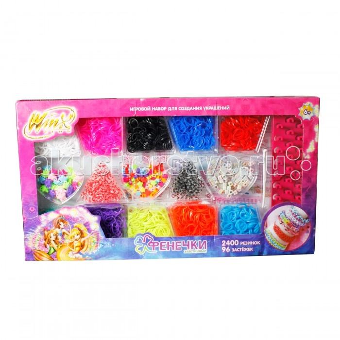 1 Toy Winx Фенечки набор Т58333Winx Фенечки набор Т583331 Toy Winx Фенечки - молодое и очень популярное хобби среди детей, подростков и взрослых по всему миру.   Используя простые в обращении приспособления для плетения, можно в короткий срок сплести множество великолепных, ярких, красивых браслетов, подвесок, колец, сумочек, шарфов, различных аксессуаров (например, чехол для телефона), фигурок, героев мультфильмов и много другое.   Пластиковый станок для плетения полноразмерный или компактный удобно брать в дорогу.   В наборе: 10 цветов, 2400 резиночек, шармы, бисер, 96 застёжек, 1 крючок, 3 станка для плетения.<br>