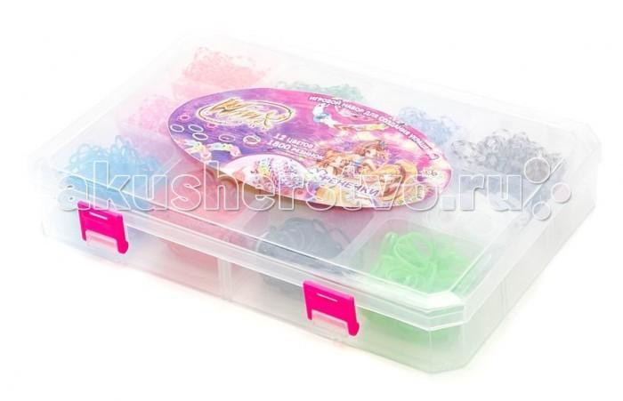 1 Toy Winx Фенечки набор Т58314Winx Фенечки набор Т583141 Toy Winx Фенечки - молодое и очень популярное хобби среди детей, подростков и взрослых по всему миру.   Используя простые в обращении приспособления для плетения, можно в короткий срок сплести множество великолепных, ярких, красивых браслетов, подвесок, колец, сумочек, шарфов, различных аксессуаров (например, чехол для телефона), фигурок, героев мультфильмов и много другое.   Пластиковый станок для плетения полноразмерный или компактный удобно брать в дорогу.   В наборе: 12 цветов, 1800 резиночек, 48 застёжек, 1 крючок.<br>