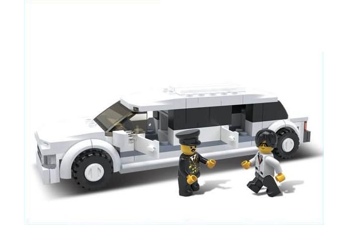 Конструктор Sluban Лимузин M38-B0323 (115 элементов)Лимузин M38-B0323 (115 элементов)Конструктор Sluban Лимузин M38-B0323 (115 элементов). Сборная модель, состоящая из 115 деталей, которая станет не только занимательным развлечением для ребенка, но и окажет помощь в развитии таких необходимых навыков, как усидчивость, терпение и сосредоточенность.  Красочные детали для сборки без особого труда скрепляются между собой, прочно держатся и которые можно собирать и разбирать многократно.   Конструктор познакомит ребенка с определениями цвета и формы, даст начальные представления о конструировании, а также научит понимать различие между не подходит и подходит.<br>