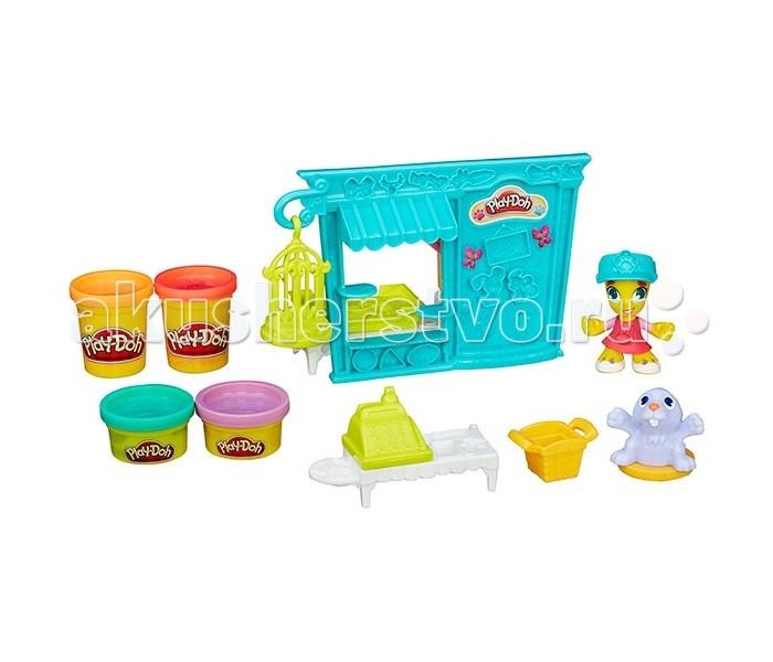 Play-Doh Игровой набор Play-Doh Город Магазинчик домашних питомцевИгровой набор Play-Doh Город Магазинчик домашних питомцевВ игровой набор Play-Doh Город Магазинчик домашних питомцев входят 2 пластиковые фигурки, игровые аксессуары и 4 баночки с разноцветной массой для лепки Play-Doh. Набор входит в серию Town (город), с ним можно создать собственный, уникальный город с яркими, веселыми жителями. Разноцветным мягким пластилином можно украшать фигурки и домик по своему вкусу или по образцу, указанному на упаковке.С помощью набора ребенок сможет сочетать две любимые забавы: лепку и сюжетно-ролевую игру.  Кроме того, пластилин Play-Doh совершенно безопасен для ребенка, поскольку состоит исключительно из натуральных, нетоксичных компонентов. Масса не липнет к рукам и рабочей поверхности, благодаря своему уникальному составу не оставляет жирных следов и легко мнется, принимая любую форму.<br>
