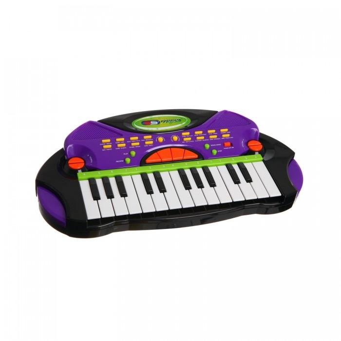 Музыкальная игрушка SS Music Синтезатор Electronic Keyboard 77028Синтезатор Electronic Keyboard 77028Музыкальная игрушка SS Music Синтезатор Electronic Keyboard 77028. Для развития музыкального таланта и проявления творческих способностей, предлагаем вашему вниманию детский синтезатор, который имеет дополнительные мелодии и инструментальные звуки.   Компактный синтезатор не займет дома много места, поэтому его очень удобно использовать в качестве домашнего музыкального инструмента.   Яркий синтезатор оснащен функцией записи и воспроизведения, а так же очень прост в использовании, в следствие чего Вашему ребенку не составит труда приобщиться к миру музыки, при этом обогатив внутренний мир.<br>