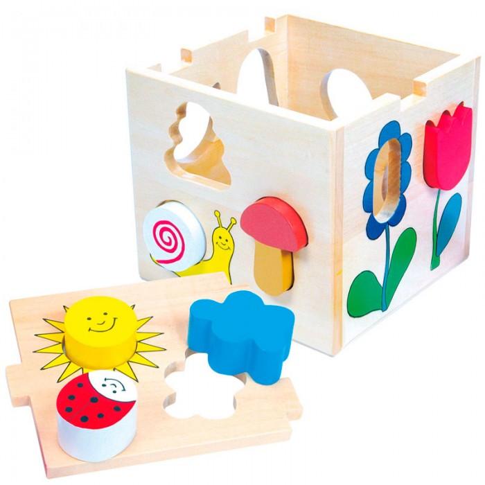 Сортер Mertens куб сортеркуб сортерBino Деревянный куб сортер.  Этот оригинальный деревянный сортер состоит из 13 частей. Игра развивает мелкую моторику, знакомит малыша с формой и цветом. В набор входит деревянная коробка с крышкой-задвижкой и деревянные фигурки различной формы и цвета: солнышко, цветочек, тучка, улитка, божья коровка.   В каждом элементе рисунка есть отверстие. Малышу предстоит подбирать фигурки, соответствующие по форме, и вставлять в отверстия.Куб накрывается сверху крышечкой, которую легко закрыть и открыть, чтобы достать фигурки и продолжить забавную игру. Фигурки можно удобно хранить в коробке.й.<br>