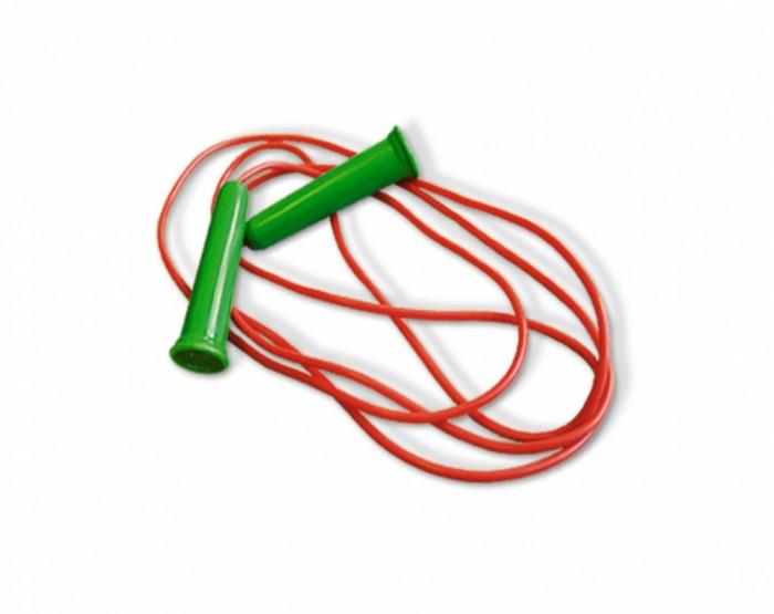 Стеллар Скакалка спортивная 2.5 метраСкакалка спортивная 2.5 метраСпортивная скакалка обладает оптимальной для этого снаряда длинной — 2.5 метра.   Благодаря удобным ручкам из пластика скакалка крепко держится в руках. Этот снаряд идеально подходит для занятий дома, на улице и в спортивных учреждениях.   Занятия со скакалкой значительно улучшает физическую форму вашего ребенка. Кроме того, она имеет небольшой вес.<br>