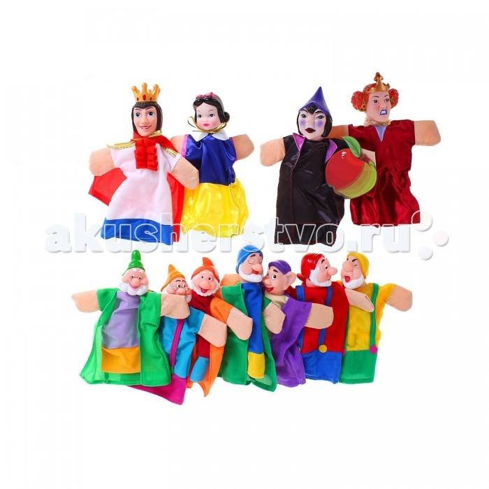 Жирафики Кукольный Театр Белоснежка (11 кукол)Кукольный Театр Белоснежка (11 кукол)Жирафики Кукольный Театр Белоснежка (11 кукол). Кукольный театр как и раньше сейчас достаточно востребован. И по популярности не уступает ни цирковым, ни театральным представлениям. Детки с удовольствием смотрят кукольные постановки, кричат, когда герой в опасности, подсказывают куда бежать или помогают добрым персонажам решить трудные задачки.  Можно придумать свою историю и развернуть интересную захватывающую игру. В процессе игры у ребенка развивается мелкая моторика рук, фантазия и творческие способности.  Развивает: мелкую моторику фантазию и творческие способности зрительное и слуховое восприятие  Средняя высотка куклы: 24 см.  В комплекте: 11 кукол, декорация, текст сказки.<br>