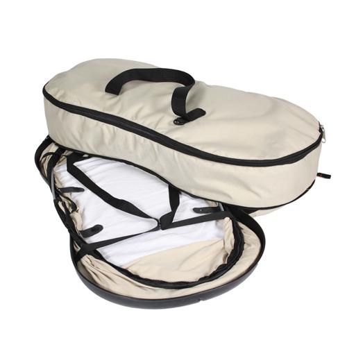 Сумка-переноска Phil&amp;Teds Сумка-кроватка NestСумка-кроватка NestNest для путешествий - практичная, удобная и оригинальная сумка-кроватка Новозеландской компании PHIL AND TEDS, специализирующейся на продукции для модных и очень активных молодых родителей, можно взять с собой в поездку на природу, к родителям в другой город или в дальнее путешествие на море. Теперь кроватка ребенка и его вещи всегда в одной руке, а в другой - Ваш любимый малыш.  Нижняя часть кроватки сделана по специальной технологии AIR-FLOW, которая обеспечивает малышу оптимальный микроклимат. Жесткое дно и мягкий матрасик гарантируют полностью горизонтальную поверхность для сна.  Вес кроватки: 2.5 кг  Полезный объем: 40 литров  Цветовая гамма: Бежевый  Размеры: Сумка 80x42x12 см  Кроватка 77x38x33 см  Сборка-разборка кроватки за 10 секунд Защитная сетка от солнца и комаров<br>