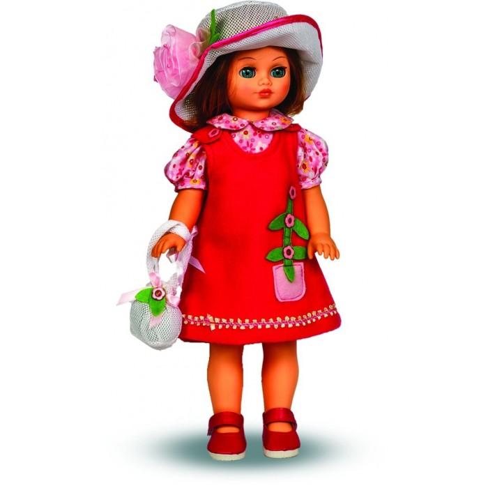 Весна Кукла Лиза 12 со звуковым устройством 42 смКукла Лиза 12 со звуковым устройством 42 смЛиза 12 со звуковым устройством из серии «Моя любимая кукла» может стать настоящей подружкой для ребёнка. В комплект одежды для куклы входит: блузка, шляпа из сетки, сарафан из флиса. Комплект дополняют туфли. Производитель оставляет за собой право изменения цветовой гаммы одежды и волос куклы, цвет глаз может варьироваться.   Игровые и дидактические возможности куклы: при нажатии на звуковое устройство, вставленное в спинку, кукла произносит фразы. Наличие элементов одежды, которые легко снимаются и надеваются, аксессуара-сумочки с аппликацией разнообразит возможности сюжетно-ролевых игр с этой куклой, в процессе которых развивается мелкая моторика и творческое воображение ребёнка.   Прекрасные прошитые волосы из качественного нейлона, похожие на натуральные, можно завивать, расчёсывать, укладывать в разные причёски, меняя образ куклы.   Рост куклы 42 см. Кукла Лиза Весна 12 озвучена. Глаза вставные закрывающиеся. Тело куклы пропорционально. Ручки и голова выполнены из эластичного, приятного на ощупь винила, а туловище и ноги из пластмассы.   Дополнительно к кукле можно приобрести комплект одежды.  Кукла произносит следующие фразы:  -Мама, -Почитай мне книжку. -Давай поиграем. -Есть хочу. -Хочу спать.<br>
