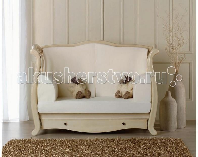 Baby Italia Комплект подушек к кроватке Andrea VIPКомплект подушек к кроватке Andrea VIPКомплект подушек к кроватке Baby Italia Andrea VIP предназначен для кроватки Baby Italia Andrea VIP. Чехол-наматрасник легко снимается для стирки. Детали крепятся к бортикам кроватки. Комплект подушек позволяет с легкостью превратить детскую кроватку Andrea VIP в удобный диван.  В комплекте: 2 боковые подушки 2 подушки под спинку 1 чехол на матрас<br>