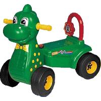 Каталка Pilsan ДинозаврДинозаврДетская каталка Динозавр Pilsan станет любимой игрушкой Вашего малыша, ее размеры позволяют использовать ее, как на улице, так и в доме.  Характеристика:  Вес – 2,7 кг. Размеры L-60см, W-32см, H-56см. Игрушка предназначена для детей от 1 до 3 лет. Из-за своих маленьких размеров хорошо подходит для игр, как в доме, так и на улице. Прочная пластиковая рама имеет небольшой вес, а широкие колеса гарантируют устойчивость каталки. Максимальная грузоподъемность 20 кг. Гудок.<br>