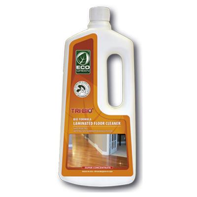 Tri-Bio Биосредство для мытья ламинированных полов 940 млБиосредство для мытья ламинированных полов 940 млTri-Bio Биосредство для мытья ламинированных полов, эффективно моет ламинированные полы, не оставляя разводов. Удаляет любые загрязнения. Защищает ламинированный пол от влаги.   Ликвидирует неприятные запахи. Обладает освежающим эффектом. Ухаживает за ламинитом, продлевая срок службы. В отличие от стандартных химических продуктов легко проникает в швы, позволяет обеспечить более длительный контроль запаха и более глубокую чистку.  Для здоровья: без фосфатов, без растворителей, без хлора отбеливающих веществ, без абразивных веществ, без отдушек, без красителей, без токсичных веществ, нейтральный PH, гипоаллергенно. Безопасная альтернатива химическим аналогам. Присвоен сертификат ECO GREEN. Рекомендуется для людей склонных к аллергическим реакциям и страдающих астмой.  Для окружающей среды: низкий уровень ЛОС, легко биоразлагаемо, минимальное влияние на водные организмы, рециклируемые упаковочные материалы, не испытывалось на животных. Особо рекомендуется использовать в домах с автономной канализацией.  Применение: хорошо взболтайте средство. Разбавьте 2 колпачка (2 - 5 мл) на 5 л воды и вымойте этим раствором пол. Нет необходимости споласкивать водой.   Состав: пробиотическое средство содержащее; воду, микроорганизмы (класс 1 непатогенные), Alkyl (C9 - 11) alcohol, ethoxylated (органический, из кокосового масла, пальмового масла или сои), C12 - 15, ethoxylated (органический, из кокосового масла, пальмового масла или сои), Sodium salt of fatty C12 - 14 alcohol ether (2 EO) sulfate (органический, из кокосового масла), 1,2 - propanediol (органический, из морских водорослей), сода, Kathon CG (эко, консервант для бытовой продукции, без формальдегида и галогенов).<br>