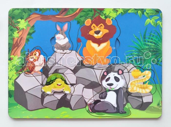 Деревянная игрушка Фабрика Мастер игрушек Рамка-вкладка Звери на камняхРамка-вкладка Звери на камняхРазвивающая игрушка «Звери на камнях» познакомит ребенка с различными животными, позволит развить мелкую моторику, координацию и ориентацию на плоскости; научит основам классификации.  Рамка представляет собой картинку с вырезанными частями.   Чтобы получить целое изображение, необходимо правильно подобрать недостающие кусочки и вставить их.   Произносите вслух названия животных на вкладышах – это позволит ребенку запомнить их и различать между собой.<br>