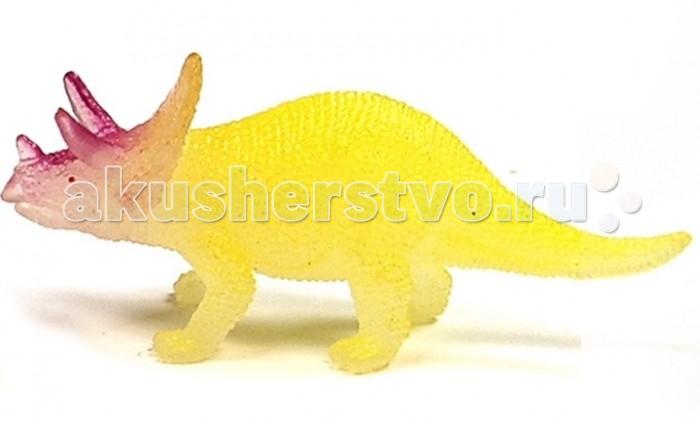 Geoworld Мини-набор палеонтолога Трицератопс 6.5 см (светится в темноте)Мини-набор палеонтолога Трицератопс 6.5 см (светится в темноте)В игровом наборе палеонтолога «Трицератопс» есть небольшая фигурка, которая изображает этого динозавра. Но прежде чем поиграть с фигуркой, ребенку необходимо будет произвести раскопки. Фигурка спрятана вовнутрь гипсового бруска. В наборе есть стамеска, при помощи которой нужно будет извлечь фигурку из гипса (как археологи извлекают кости динозавров из окаменевшей породы). Также в комплект включена карточка с научными данными о трицератопсах. Фигурка светится в темноте!  Комплект:   Гипсовая форма с фигуркой динозавра; Стамеска;  Карточка с информацией.    Основные характеристики:  Размер игрушки: 6.5 см<br>