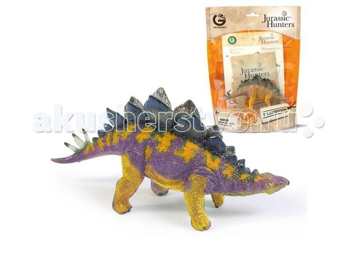 Geoworld Фигурка динозавра Jurassic Hunters - СтегозаврФигурка динозавра Jurassic Hunters - СтегозаврСтегозавры населяли нашу планету в незапамятные времена, более 155-145 млн. лет назад. Этих динозавров легко идентифицировать по особенному спинному гребню, которой по своей форме напоминает вертикально стоящие лепестки. Еще больше интересных фактов о стегозавре ребенок сможет узнать из буклета, который идет в комплекте с фигуркой. А сама фигурка максимально точно сможет дать ответ на вопрос, как выглядели стегозавры. Компания Geoworld тщательнейшим образом следит за достоверностью выпускаемых моделей динозавров. Фигурка раскрашена вручную, могут быть незначительные отличия в вариации раскраски.  Комплект:   Фигурка динозавра;  Страница с научной информацией о динозавре; Мини-буклет с указанием полной коллекции Jurassic Hunters (Охотников за Динозаврами).   Основные характеристики:  Размер упаковки: 34 х 21 х 8 см Длина самой игрушки: 15 см<br>