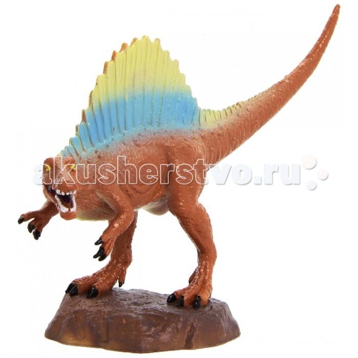 Geoworld Фигурка динозавра Jurassic Hunters - СпинозаврФигурка динозавра Jurassic Hunters - СпинозаврСпинозавры — один из самых узнаваемых и легко идентифицируемых видов динозавров, благодаря характерному внешнему виду. У них имеется большой костяной нарост на хребте. Если ребенка привлекают динозавры, то эта качественная, палеонтологически верная модель спинозавра станет настоящим достоянием коллекции. Компанией Geoworld управляет доктор палеонтологии Стефано Пичинни, именно он следит, чтобы каждая модель древнего хищника была сделана достоверно и в соответствии со взглядами науки. Фигурка раскрашена вручную.  Комплект:   Фигурка динозавра;  Страница с научной информацией о динозавре; Мини-буклет с указанием полной коллекции Jurassic Hunters (Охотников за Динозаврами).   Основные характеристики:  Размер упаковки: 34 х 21 х 8 см Длина самой игрушки: 18 см<br>
