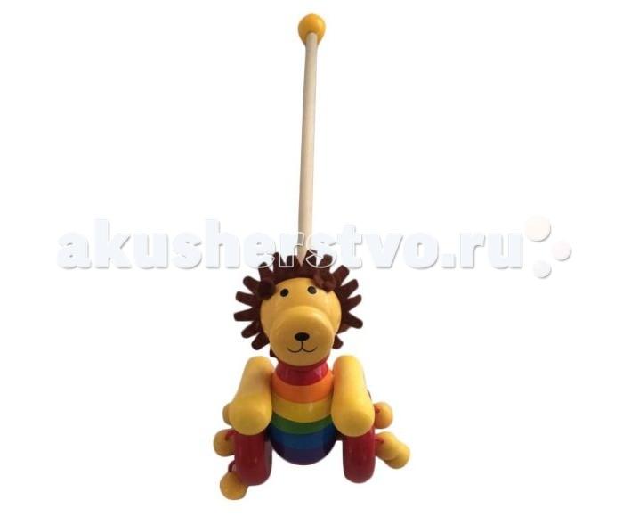 Каталка-игрушка Mapacha Львенок разобраннаяЛьвенок разобраннаяКаталка-игрушка Mapacha Львенок разобранная обязательно понравится малышу!   Особенности: Она привлечет внимание своей яркой расцветкой и забавной игрушкой в виде пчелки.  К колесикам каталки приделаны разноцветные деревянные шарики, которые гремят во время движения.  Ручку-держатель можно открутить и играть только с игрушкой на колесиках.  В целях безопасности ручка снабжена круглым набалдашником. Игрушка-каталка способствуют физическому развитию малыша - помогает сделать первые шаги и освоить навыки ходьбы.  Развивает координацию движений и способность ориентироваться в пространстве. Игрушка изготовлена из натурального дерева.<br>