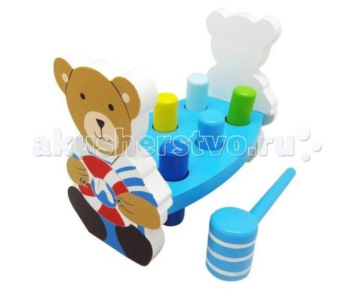 Деревянная игрушка Mapacha Игра с молоточком КапитанИгра с молоточком КапитанДеревянная игрушка Mapacha Игра с молоточком Капитан совершенствует внимательность и координацию движений ребенка.   Особенности: Игра так же способствует развитию мелкой моторики рук.  Цель игры заключается в том, чтобы ребенок посредством молотка смог заколотить разноцветные колышки в цветные дырочки доски.  Игровой набор выполнен из дерева.<br>