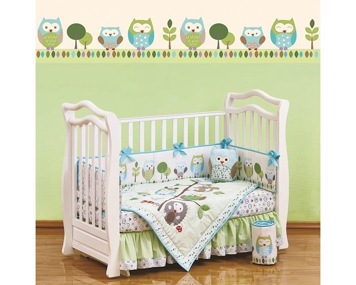 Комплект в кроватку Giovanni Shapiro Summer Owls (7 предметов)Shapiro Summer Owls (7 предметов)Shapiro Summer Owls (7 предметов)  Комплект для детской кроватки из 7 предметов. Одеяло-покрывало декорировано вышивкой и тканевыми аппликациями.  Бампер состоит из 4-х частей, что позволяет использовать его как по всему периметру кроватки в варианте для младенца, так и в варианте диванчика для подросшего малыша, чехлы не съемные.  Простыня на резинке надежно закрепляется на матрасе и не позволяет складкам воздействовать на кожу ребенка  Юбка придает изысканный внешний вид детской кроватке.  Габаритные размеры Простыня натяжная на резинке: 120x60 см Бампер: 120x25 см - 2 штуки Бампер: 60x25 см - 2 штуки Одеяло - покрывало с аппликацией: 107x84 см Юбка декоративная: по периметру, высота 23 см.<br>