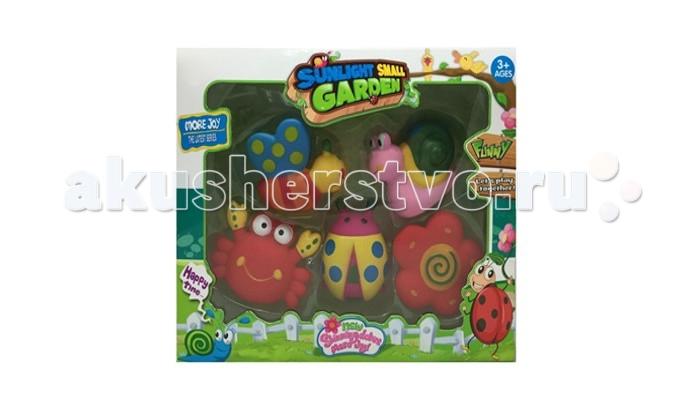 Yako Набор игрушек с пищалкой Y13114563Набор игрушек с пищалкой Y13114563Набор игрушек от Yako, сделает купание Вашего малыша весёлым и увлекательным и подарит огромное удовольствие от игры!  Все игрушки с пищалками, что еще больше заинтересует малыша.  В наборе: пчелка, улитка, крабик, божья коробка, цветочек.<br>
