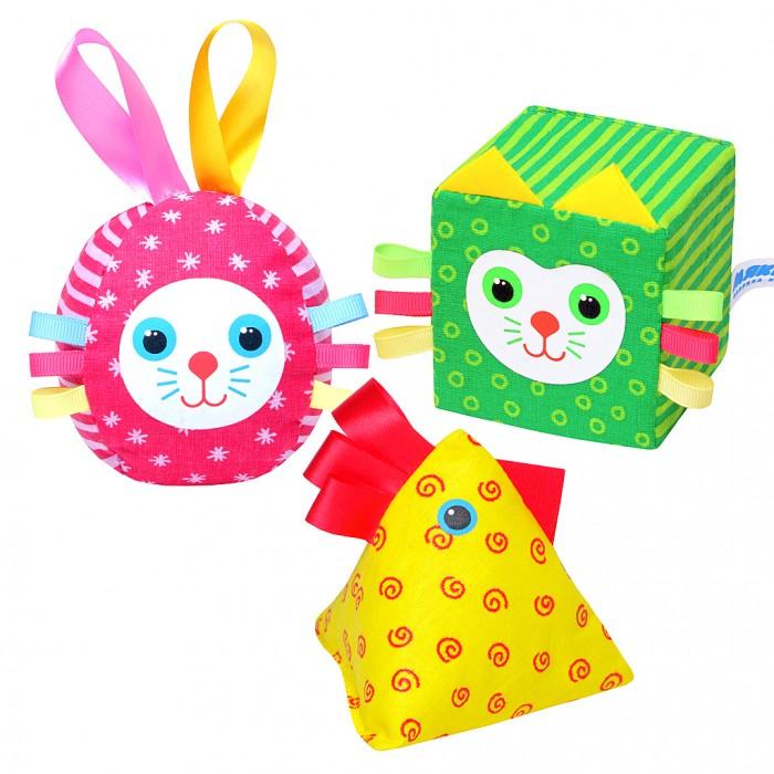 Развивающая игрушка Мякиши Весёлая дидактикаВесёлая дидактикаИгрушка Весёлая дидактика  - дидактические карточки, кубик Котёнок-7см,  мячик Зайка 8см, пирамидка Петушок 9х10см   Яркий набор Весёлая дидактика из трёх весёлых друзей поможет малышу в освоении цветов и геометрических форм, будет тренировать память, развивать внимание, пространственное мышление, обогащать опыт тактильных ощущений, словарный запас.  Оптимальный размер игрушек, разнообразные наполнители, разнофактурные петельки способствуют совершенствованию мелкой моторики малыша.  Игрушка укомплектована набором карточек-помощников с животными и геометрическими формами + цвет.    Изготовлено из гипоаллергенных материалов.<br>