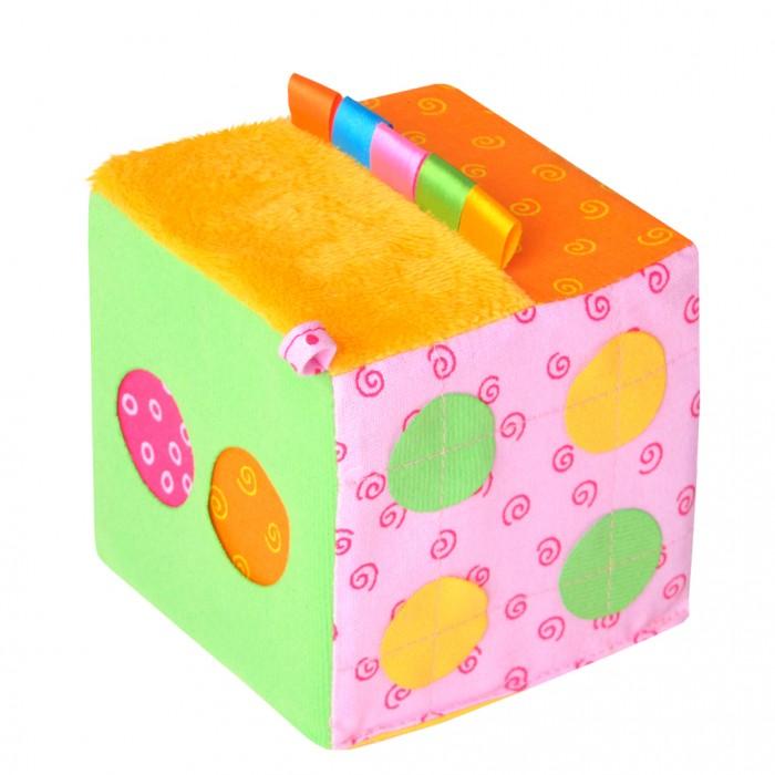 Развивающая игрушка Мякиши Математический кубикМатематический кубикМатематический кубик  - это развивающий тренажёр для Вашего малыша. Это целый комплекс игр для развития мелкой моторики.   Кубик с приятным звуком погремушки станет не только яркой и интересной игрушкой для вашего малыша, но и отличным помощником для обучения счету. Кубик поможет малышу развивать логическое мышление, внимание, цветовосприятие, будут тренировать память, совершенствовать мелкую моторику, обогащать словарный запас.   Изготовлено из гипоаллергенных материалов.<br>