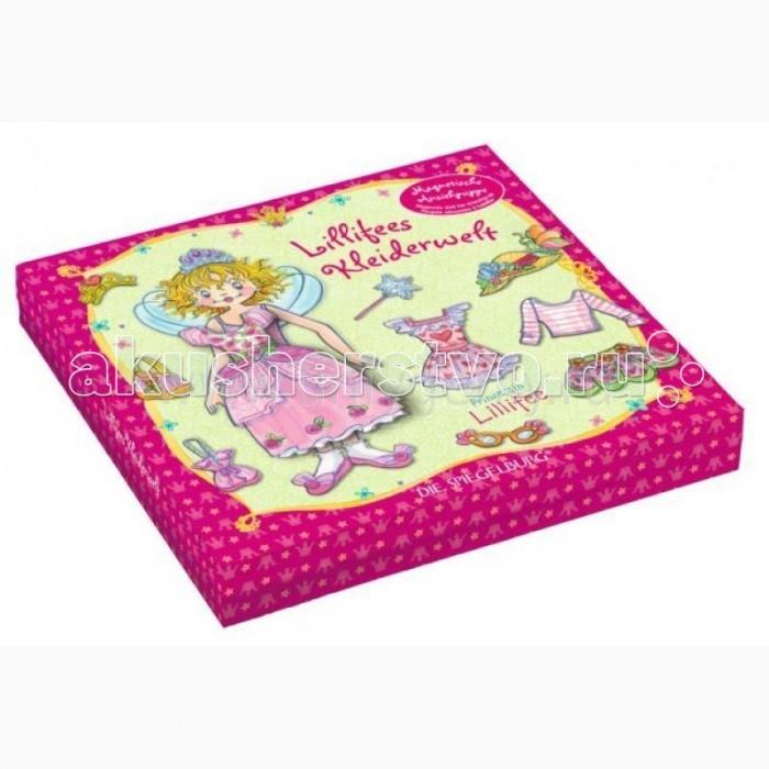 Spiegelburg Набор для игр Prinzessin Lilifee 11551Набор для игр Prinzessin Lilifee 11551Spiegelburg Набор для игр Prinzessin Lilifee 11551. Пришло время нарядить маленькую принцессу Лиллифи.  Игра представляет собой набор, который находится в красивой коробке с изображением принцессы. Внутри коробки вы найдете принцессу и ее друзей, а также разные сюжеты. Каждому персонажу можно подобрать особый наряд и аксессуары. Все предметы лепятся на героя при помощи магнитов.   Каждому пейзажу соответствует свой наряд. Среди них есть кухня, гардероб, лесенка и природа. Эта игра очень увлекательная, ведь в зависимости от фантазии девочки, герои смогут исполнять разные роли.<br>