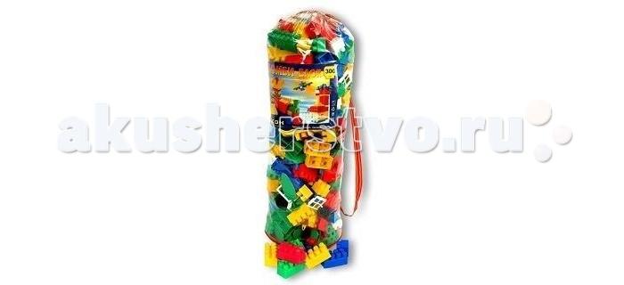 Конструктор Кассон Комби блок 300 деталейКомби блок 300 деталейКонструктор Комби блок - это возможность раскрыть творческий потенциал, скрытый в ребенке.   Благодаря набору из 300 деталей можно построить различные сооружения в ярких тонах. Сооружения могут использоваться как отдельные игрушки или как дополнения к имеющимся.  Состоит из разноцветных деталей разной длины. В набор входят следующие дополнительные элементы: платформы с колесами; оконные и дверные рамы и крыши для строительства домов; съемные корпусы машин; фигурки деревьев; модули забора с основаниями.   Игра способствует развитию мелкой моторики и координации движений обеих рук, образного и пространственного мышления, воображения. Рядом с родителями игра будет интересней, ведь ребенка нужно поощрять, чтобы удовлетворить его потребности в заботе и любви.<br>