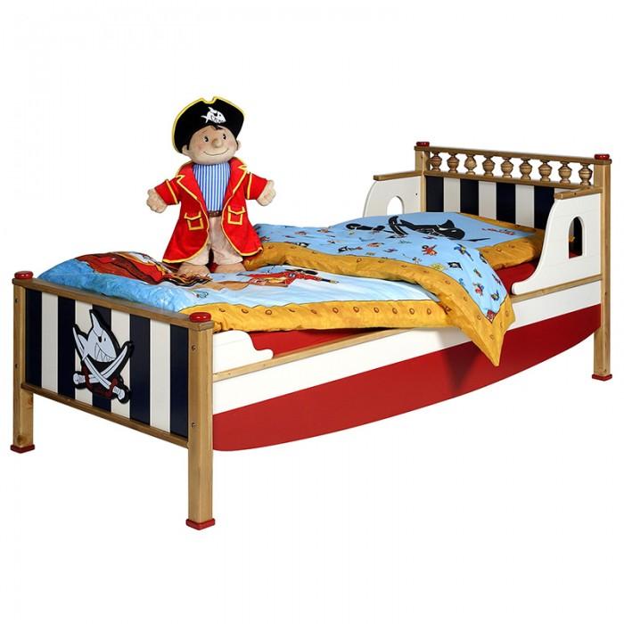 Детская кроватка Spiegelburg Captn Sharky PiratenCaptn Sharky PiratenSpiegelburg Кровать Captn Sharky Piraten  Детская кровать из коллекции Piraten - большая и удобная кровать в морской тематике идеально впишется в Ваш интерьер. Конструкция ножек убережет ребенка от травм и обеспечит стабильное положение кровать на поверхности пола.   Спальное место - 90 х 200 см<br>