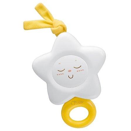 Подвесная игрушка Chicco ЗвездаЗвездаМузыкальная подвесная игрушка Звезда Chicco при помощи тесемок крепится надежно к кроватке малыша. Нежная спокойная мелодия успокаивает и развлекает малыша (достаточно потянуть за кольцо и заиграет музыка) детская игрушка содействует благоприятному развитию ребенка, его музыкальных способностей и визуального восприятия мира.<br>