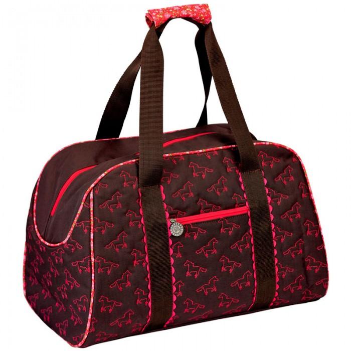 Spiegelburg Спортивная сумка Pferdefreunde 11448Спортивная сумка Pferdefreunde 11448Спортивная сумка Pferdefreunde выглядит очень стильно, она окрашена в коричневый цвет и украшена розовыми лошадками. На передней части сумки есть карман, в который можно сложить документы, деньги и другую мелочь. Основной отсек закрывается на молнию. Сверху есть две удобные ручки.  Сумка очень вместительная, поэтому в нее можно сложить обувь и одежду, бутылку с водой и другие вещи. Теперь ваша девочка готова заниматься спортом.  Основные характеристики:   Размер: 45 x 30 x 23 см<br>