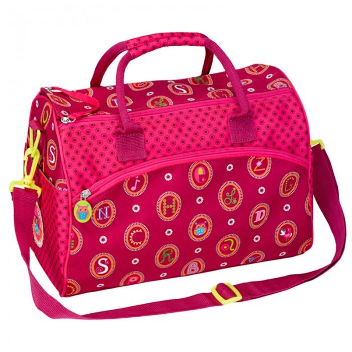 Spiegelburg Спортивная сумка ABC 10880Спортивная сумка ABC 10880Отличная сумка для занятий спортом для девочек. Практичная и внутренняя планировка спортивной сумки ABC позволяет идеально разместить обувь и спортивную одежду отдельно друг от друга. Основной отсек и внешний карман на молнии. Ремень регулируемый, на карабинах.   Основные характеристики:   Размер: 35 х 25 х 20 см<br>