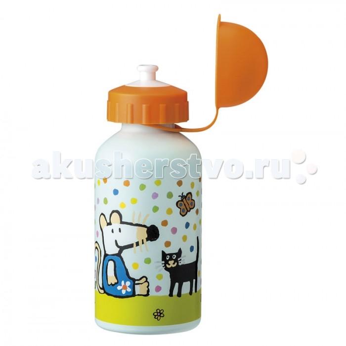 Поильник Spiegelburg Бутылка для питья Mimi MM900FБутылка для питья Mimi MM900FБутылка для питья Mimi с мотивами приключений мышки. Выполнена из легкого материала меламина. Отличный вариант для занятий спортом, садика или школы. Не подходит для посудомойки и микроволновки.  Основные характеристики:   Размер: 15 см<br>