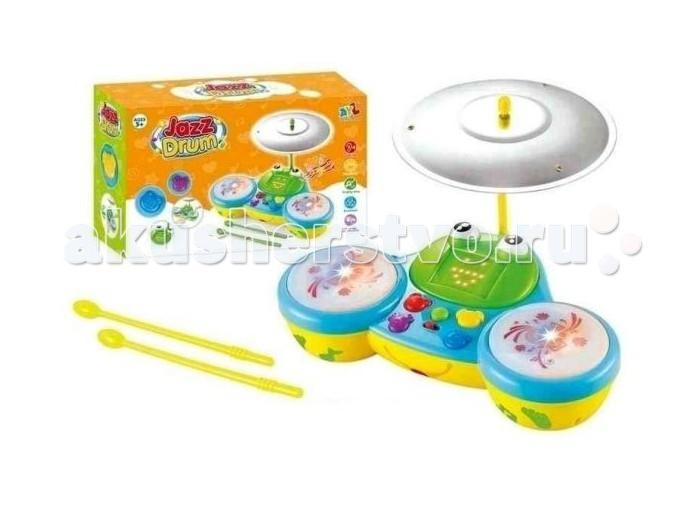 Музыкальная игрушка Shantou Gepai Электронный барабан Лягушонок (свет, звук)Электронный барабан Лягушонок (свет, звук)Электронный барабан Лягушонок прекрасно справится с задачей обучения ребенка основам ритма.   Он поможет развить слух, координацию движений и моторику рук.   Ребенка надолго увлекут работающие от батареек световые эффекты и разные мелодии, которые можно переключать с помощью цветных кнопок на передней панели.  С помощью кнопок ребенок будет переключать различные режимы: послушает мелодии, сыграет в игру и т.д.   Игра сопровождается световыми эффектами.   Игрушка работает от 3 х 1.5 V АА (в комплект не входят).<br>
