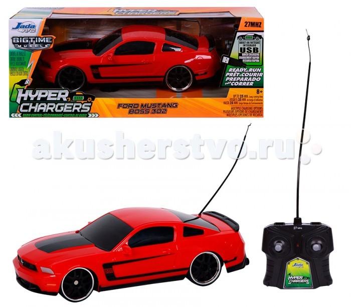 Jada 2012 Ford Mustang Boss 302 1/16 84210-22012 Ford Mustang Boss 302 1/16 84210-2Jada 2012 Ford Mustang Boss 302 1/16 84210-2 точная копия авто Ford Mustang Boss, выполненная в масштабе, 1:16 понравится не только детям в возрасте от 8 лет, но и каждому взрослому любителю радиоуправляемых игрушек. Автомобиль может функционировать без подзарядки чуть менее получаса. Управление осуществляется при помощи пульта, входящего в комплектацию.  В наборе: модель машинки, встроенный аккумулятор с USB проводом, пульт Р/У, батарейки: 2 батарейки типа АА для пульта Р/У (входят в комплект).   HYPER CHARGERS (Гипер Чарджерс) - новое поколение Р/У моделей машин!   Запатентованная технология – машинка со встроенным аккумулятором, заряжается через USB-провод. Система эко зарядки с USB-портом позволяет зарядить машинку от различных устройств и приборов: настольный компьютер, ноутбук, игровая консоль, автомобильная зарядка, адаптер для зарядки смартфона, розетки с USB.<br>