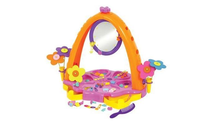 Полесье Туалетный столик Юная принцессаТуалетный столик Юная принцессаПолесье Туалетный столик Юная принцесса  Прекрасный выбор для девочки. Здесь найдется все, что необходимо для маленькой принцессы - множество разноцветных ярких заколочек &ndash резиночек, крабиков и невидимок расческа и ободки для создания стильных причесок. Навести красоту поможет вращающееся круглое зеркальце, которое еще и подсвечивается. На поверхности столика нанесены углубления в виде цветка, в которых можно аккуратно разложить все аксессуары. В двух вазочках стоят пластиковые цветочки  Играя с туалетным столиком, девочка учится осознавать свою привлекательность, ухаживать за собой, вырабатывает чувство собственного стиля. Комплект выполнен из высококачественного, экологически чистого пластика и абсолютно безопасен для малышей, так как не имеет острых углов и мелких деталей.   В комплекте:  столик  аксессуары.   Возраст: от 3 лет<br>