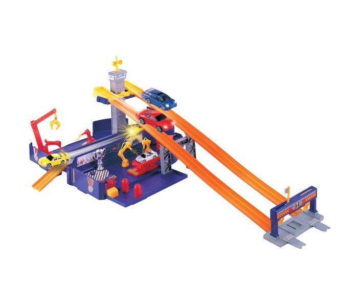 MotorMax Игровой набор Грузовик - трансформерИгровой набор Грузовик - трансформерИгровой набор MotorMax Грузовик - трансформер представляет собой трансформирующуюся игрушку. Синий грузовик может раскладывать боковые стенки и превращаться в огромный автодром с установкой запуска машинок, двумя высотными треками и станциями техобслуживания.<br>