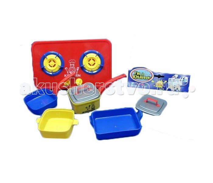 Shantou Gepai Набор посуды Im a KitchenerНабор посуды Im a KitchenerНабор детской посудки включает в себя полный комплект, необходимый маленькой хозяйке: сотейник, кастрюля, формы для выпечки и газовая плитка, изготовленные из пластика. Посуда представлена в яркой интересной расцветке. С ее помощью ребенок сможет печь пироги и варить супы для куколок и игрушек, или устраивать ужины с друзьями.  Игра в такой импровизированной кухне развивает фантазию и воображение ребенка, пробуждает любовь к готовке и кулинарии, возможно в будущем ребенок станет настоящим кулинаром!  Комплект: противень, кастрюли (3 шт.), варочная плита.<br>