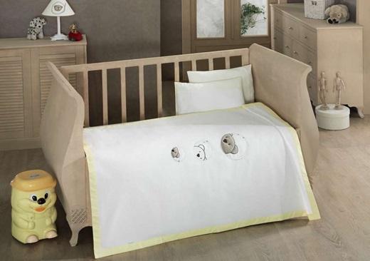 Постельное белье Kidboo Little Bear (4 предмета)Little Bear (4 предмета)Комплект постельного белья Kidboo Little Bear выполнен из высококачественного 100% хлопка.   В комплект входит:   вафельное покрывало (100 х 150 см)  Простынь (120 х 170 см)  наволочка (35 х 50 см)   декоративная наволочка (35 х 50 см)<br>
