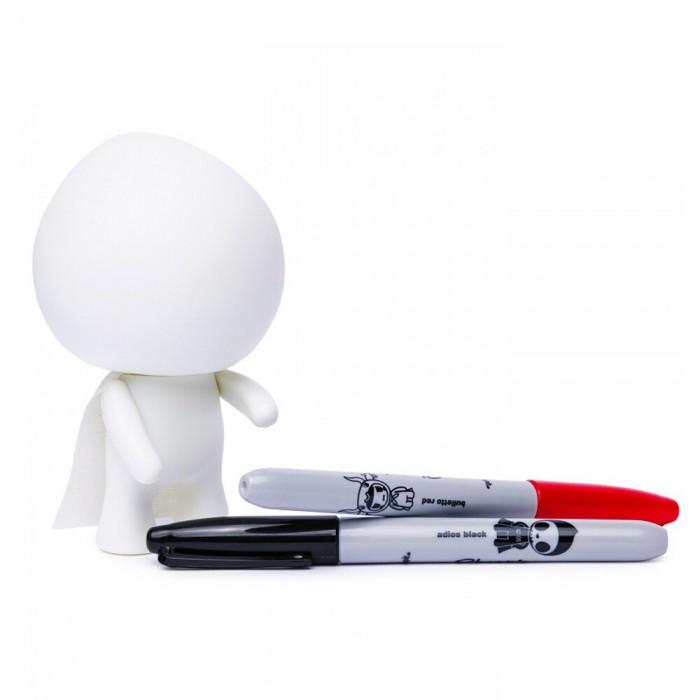 Tokidoki Игрушка раскраска коллекционная DIY AdiosИгрушка раскраска коллекционная DIY AdiosРаскраска Tokidoki Игрушка раскраска коллекционная DIY Adios вы создадите дизайн своей мечты!  Оформите раскраску на свой собственный вкус, создадим своего Адьоса сами! Эта белоснежная виниловая игрушка комплектуется двумя фломастерами и холстяной накидкой.  Виниловые игрушки Адьос Сделай сам тщательно создавались для реализации дизайнерских амбиций фанатов.<br>