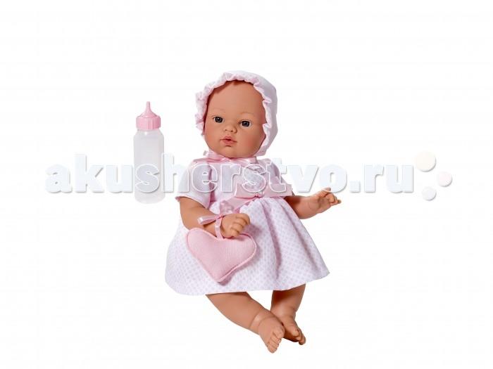 ASI Кукла Коки 36 см 403530Кукла Коки 36 см 403530ASI Кукла Коки 36 см 403530  Тело мягконабивное, голова, руки и ноги из винила, без волос, в розовом платье с сумочкой в виде сердца, в комплекте бутылочка, в красивой подарочной коробке.  Отличительной особенностью всех кукол ASI является их высокое качество и натуралистичность. Для производства кукол используются только самые качественные и безопасные материала, а то, насколько проработаны мельчайшие детали – просто поражает!  Особенности:  кукла ASI сделана очень качественно.  Без запаха.   Используется безопасный твердый винил.  Видна прорисовка мельчайших подробностей тела, рук и ног.<br>