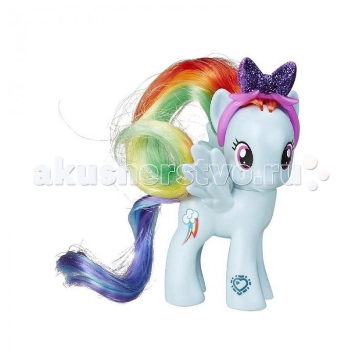 My Little Pony Радуга ДэшРадуга ДэшИгровой набор Hasbro My Little Pony Радуга Дэш  В комплекте с пони ее аксессуар – ободок с блестящим бантиком.   У пони помимо кьюти-марки (отличительного знака лошадки) есть графический код. Его можно отсканировать с помощью мобильного устройства на iOS или Android и разблокировать персонажа на официальном сайте My little pony, получив доступ к игровому контенту.   Высота фигурки: 8 см<br>
