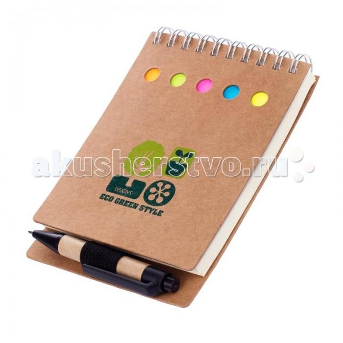 Lejoys Блокнот Tree для заметок с ручкой и закладками (70 листов)Блокнот Tree для заметок с ручкой и закладками (70 листов)В этот компактный набор входит блокнот на спирали, комплект клейких стикеров различных цветов и небольшая ручка. Разноцветные наклейки можно использовать в качестве закладок, на стикерах побольше удобно писать напоминания себе и записки коллегам, а сам блокнот будет незаменим в тех случаях, когда срочно требуется зафиксировать важную информацию. Твердая обложка блокнота и корпус ручки выполнены из переработанной крафт-бумаги, ручка снабжена держателем черного цвета. Такой комплект найдет себе достойное место в зеленом офисе.  Основные характеристики:  Размеры: 9 х 13 см Количество листов: 70 шт.<br>