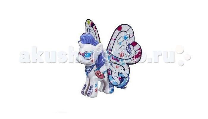 My Little Pony Рарити с крыльямиРарити с крыльямиИгровой набор Hasbro My Little Pony Рарити с крыльями – это отличный сет для развития творческих способностей маленькой модницы.   Здесь есть лошадка из популярного мультсериала «Дружба – это чудо», а также набор аксессуаров для ее украшения.    В наборе:  пони, три пары разных крыльев (отличаются формой и узорами), разноцветные маркеры и наклейки.   Раскрасьте крылья, подберите нужные стикеры и создайте свой уникальный образ стильной пони.<br>