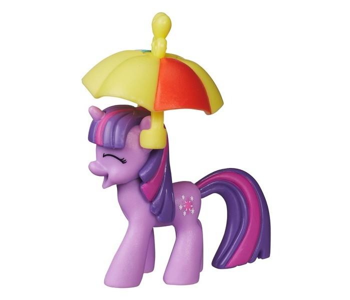 My Little Pony Коллекционная пони Твайлайт СпарклКоллекционная пони Твайлайт СпарклКоллекционная пони Hasbro My Little pony Твайлайт Спаркл  Фигурка имеет индивидуальный внешний вид. В комплекте зонтик.  Высота игрушки: 6,5-8 см<br>